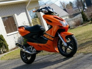 Yamaha-Aerox-Orange-KTM-300x225