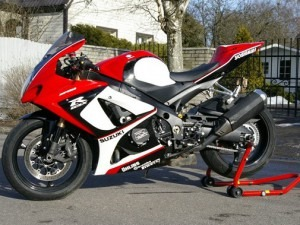 Yamaha-GSXR-1000-300x225
